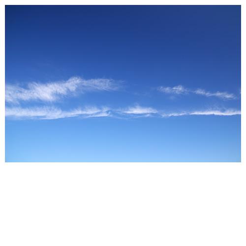 グラデーションブルーにひょろ雲
