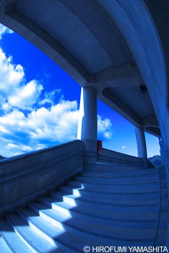 何処かへと続く階段