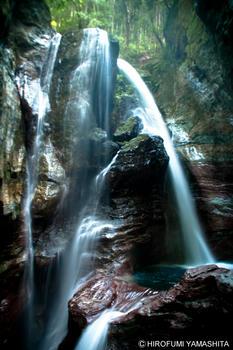 雨竜の滝、壮観なマイナスイオン。