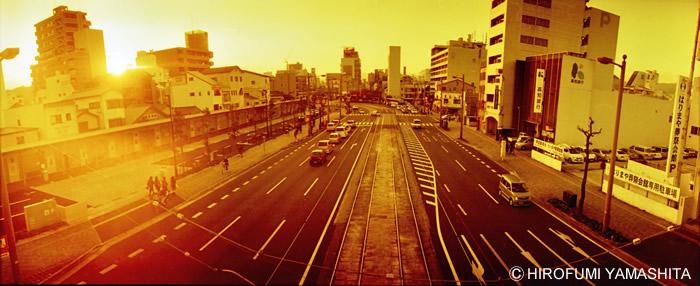 「REDSCALE NEGATIVE」で高知市街を撮ってみた。