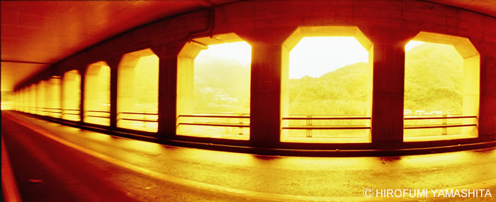 オレンジ:トンネルの向こう側