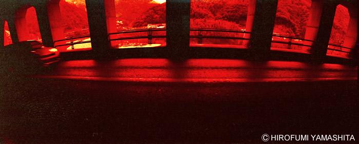 レッド:トンネルの向こう側