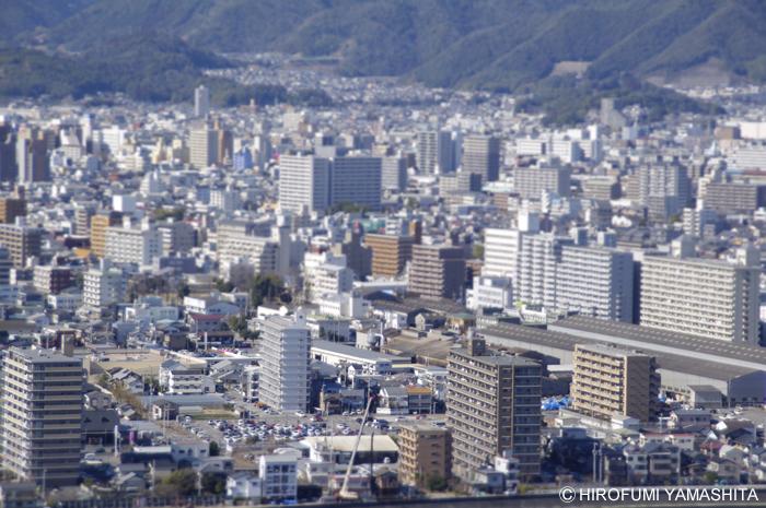 五台山の展望台からミニチュア風に高知市街を撮影してみた。