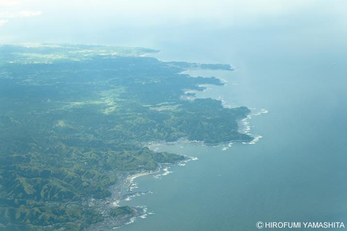 羽田空港へ向かうANA機内より撮影。場所はどこだかわからない。
