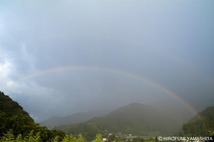 虹が見えた。