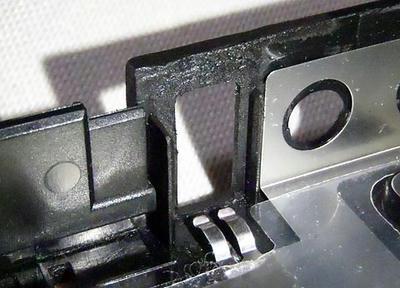 ThinkPad R61 ボトムケース割れ補修:左USB部内側補修後