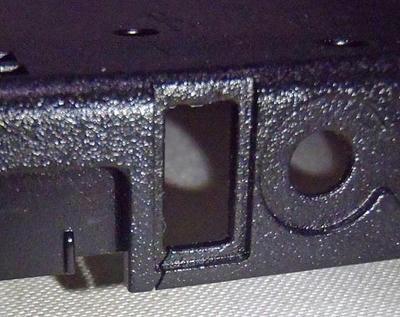 ThinkPad R61 ボトムケース割れ補修:底面からの割れは左側面USB部までつながっている