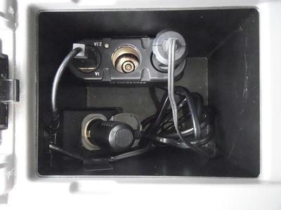 フロアコンソールBOX内にUSB端子つきシガーソケット設置完了
