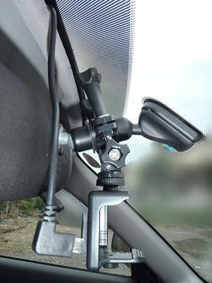 DBPOWER SJ4000の車載用に組んだアタッチメントを車に取り付け
