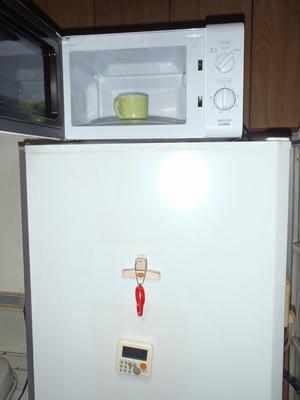 YAMAZEN(山善)_電子レンジ_MRB-207_冷蔵庫上に設置