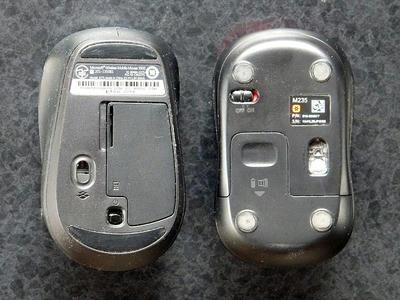 Microsoft Wireless Mobile Mouse 3500とロジクール ワイヤレスマウスM235rの裏面、センサー位置の違いに注目