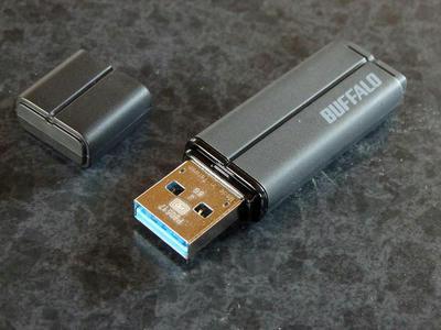 USBメモリ バッファロー RUF3-MB8G-BK本体