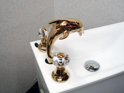 アンティーク風洗面台用蛇口混合水栓 02イルカ金