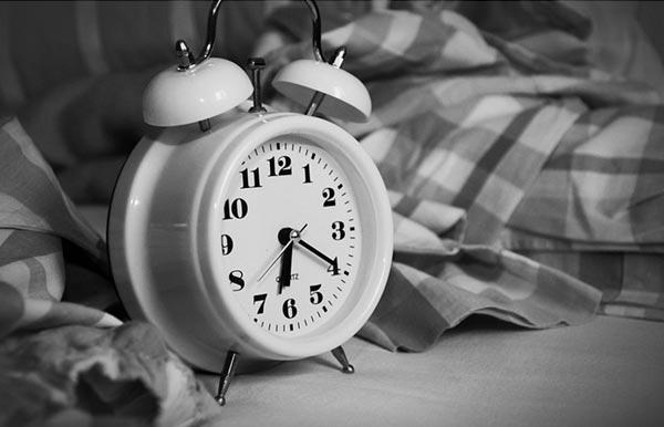 絶対に起きる目覚まし時計