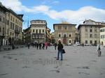 サンタ・クローチェ聖堂(Basilica di Santa Croce)の前の広場