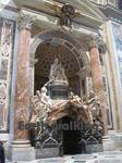 サン・ピエトロ大聖堂(St. Peter's Basilica)のアレクサンデル7世墓碑(Monument to Alexander VII)
