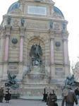 サン・ミッシェルの噴水(Fontaine Saint Michel)