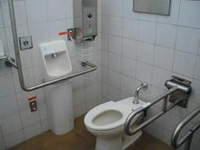 武蔵野公園 野川北多目的トイレ