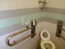 桜堤団地中央公園多目的トイレ