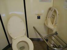 大丸公園多目的トイレ