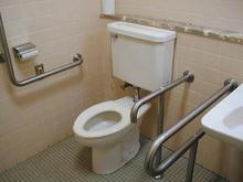 小金井公民館 東分館2階多目的トイレ