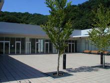 稲城市中央図書館