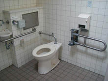 武蔵国分寺公園 南多目的トイレ