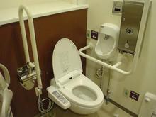 ユニゾンモール東中野 2階多目的トイレ