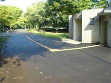 小金井公園 中央広場トイレ