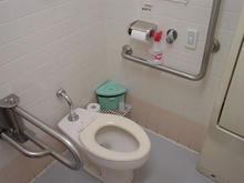 いなげや東大和店多目的トイレ