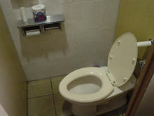 東京学芸大学(小金井キャンパス)学食トイレ