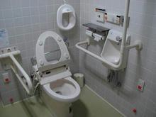 パルテノン多摩 4階多目的トイレ