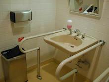 ワーナーマイカルシネマズ多摩センター チケット売り場多目的トイレ