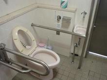 乞田・貝取コミュニティセンター 1階多目的トイレ