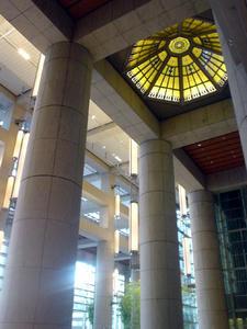 日本橋三井タワー2階