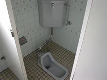 三鷹市西部図書館 1階トイレ