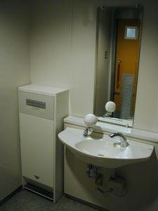 中野ブロードウェイ 2階北多目的トイレ