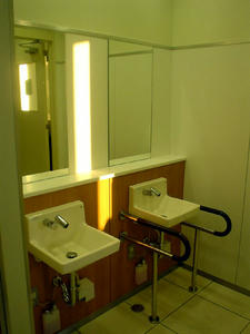 西友保谷店 3階トイレ