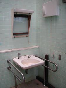 城山公園多目的トイレ