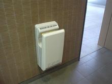 東京競馬場正門 外トイレ