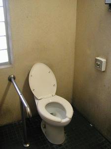 隅田公園(台東区) 1号多目的トイレ
