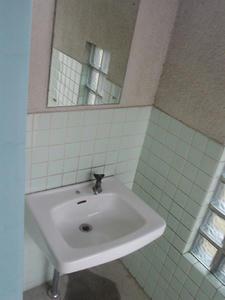 東京競馬場 馬場内遊園地東側トイレ