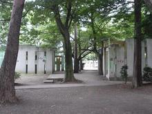 井の頭公園 公園南側テニスコート脇トイレ