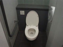 東京競馬場 3階センターコート西トイレ