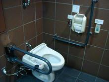 東京競馬場 3階センターコート西多目的トイレ
