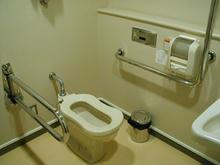 保谷こもれびホール  1階ロビー多目的トイレ