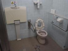昭和記念公園 桜の園男性用多目的トイレ