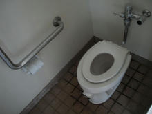 稲城北緑地公園西トイレ