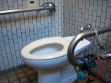 紅葉山公園多目的トイレ