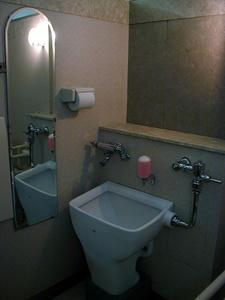 日本橋三越本店 本館2階北西多目的トイレ